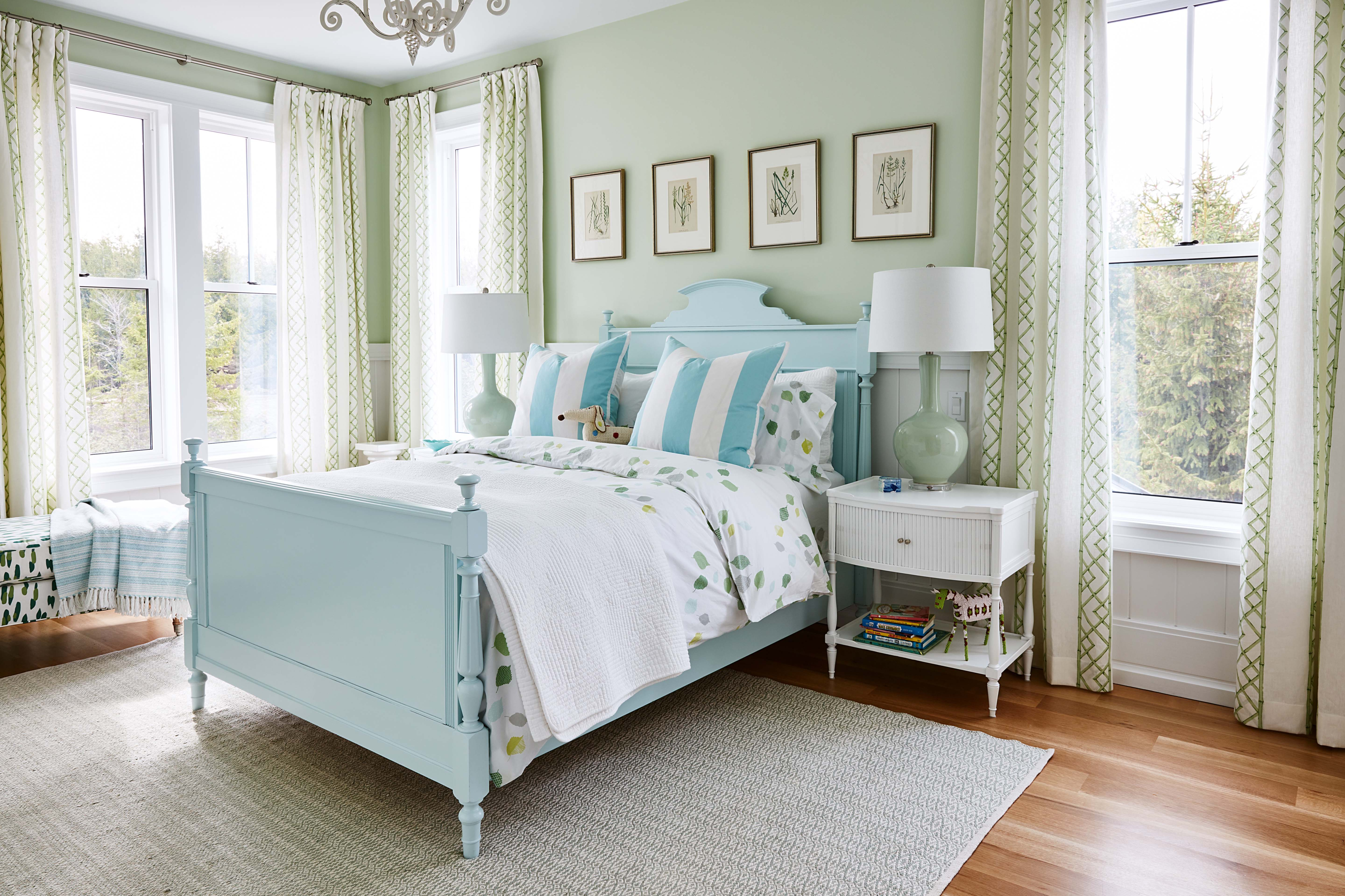 Celebrity designer Sarah Richardson styles her daughter's bedroom using Metre's very own Fashion Forward Collection baseboard and Very Square Collection chair rail.