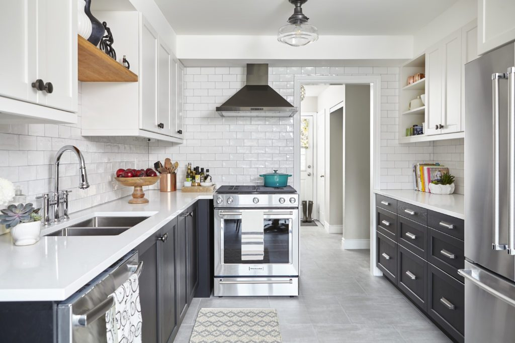 Vanessa Francis, of Decor Happy, uses Metrie's interior finishings in her sister's kitchen makeover.